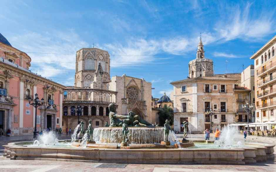 Valencia old historic town with fountain