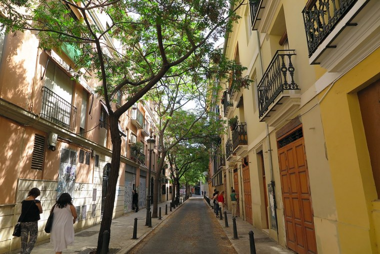 Mindful walking in Valencia