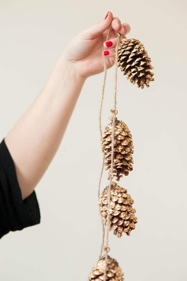 pine cone garland eco friendly
